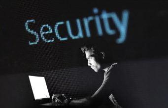 Beskyt din internetforbindelse med Norton Smart Firewall